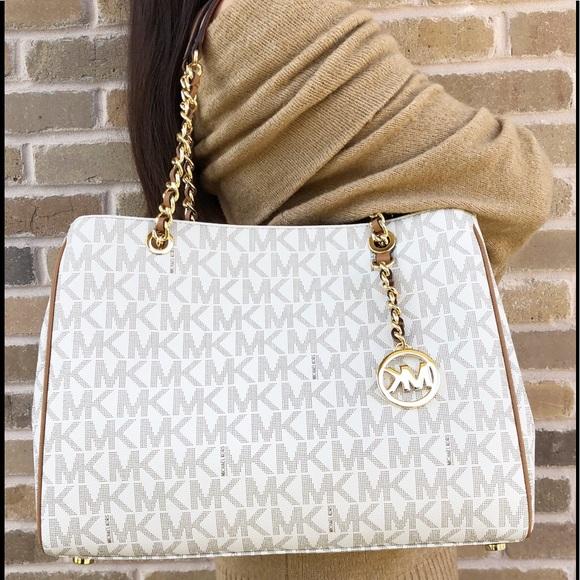24eaa683ff28 Michael Kors Bags | Susannah Large Tote Vanilla Mk Acorn | Poshmark